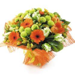 Букет из хризантем и гербер в Ялте